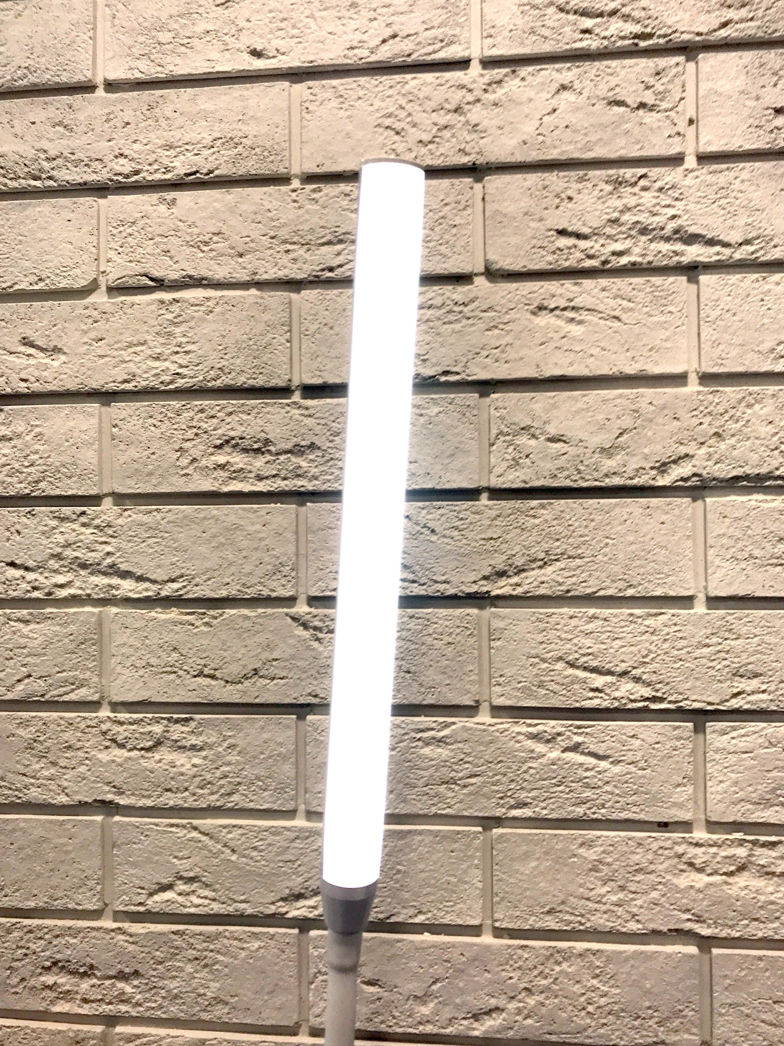 Купить настольный светильник TL-121 от компании LEEK