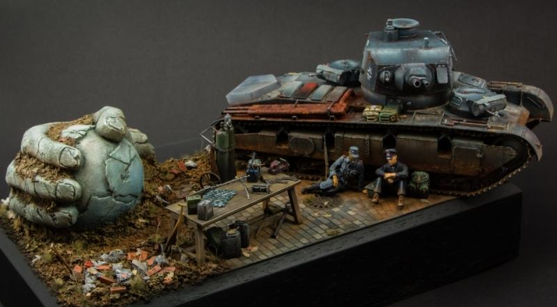 модель танка, расписанная акриловыми красками