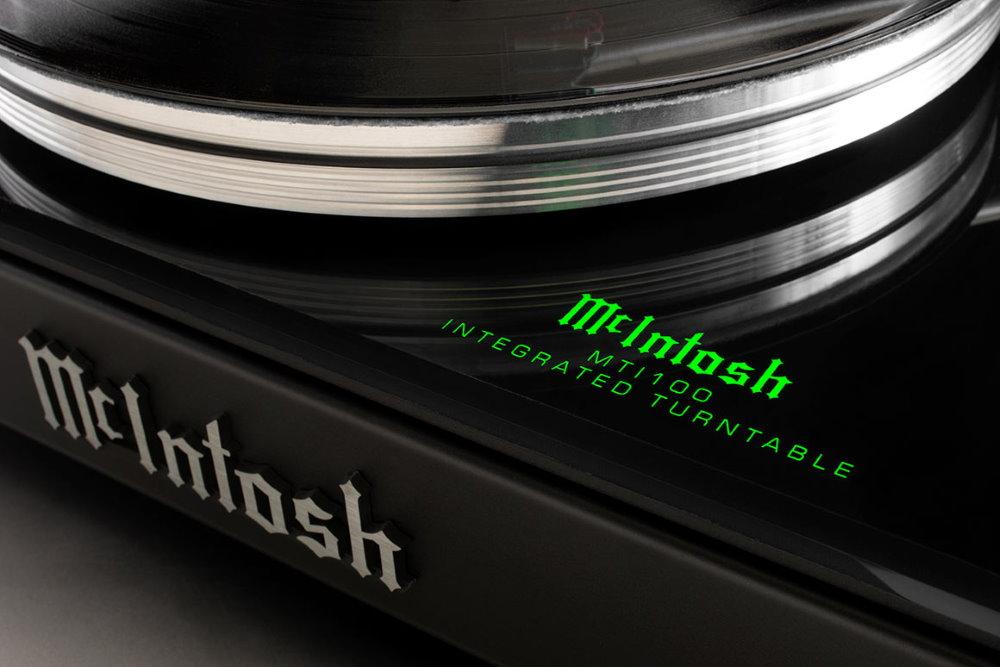 Виниловый проигрыватель McIntosh MTI100