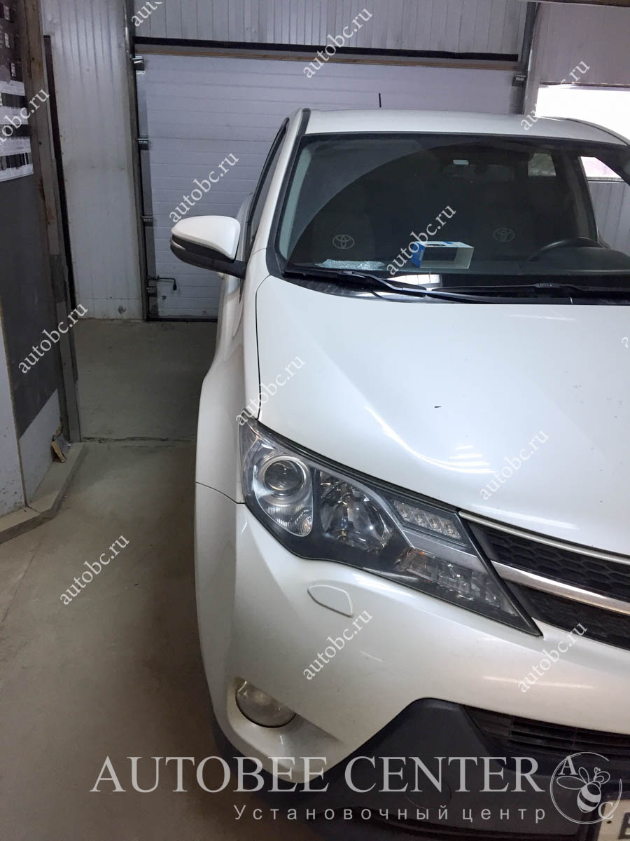Toyota Rav 4 (установка NeoLine X-COP 9100)