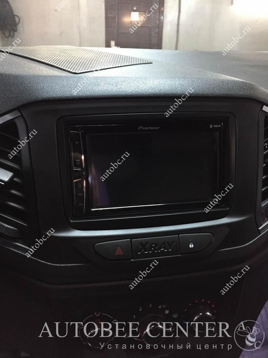 Lada X-Ray (установка музыки)