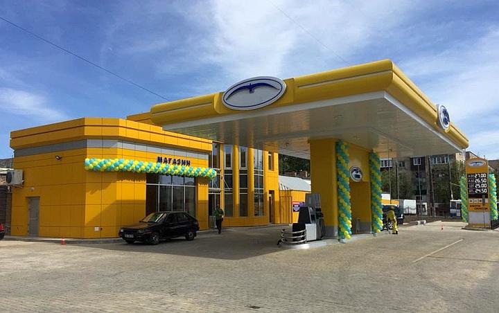 Всё больше автозаправочных станций совмещаются с продуктовым магазином