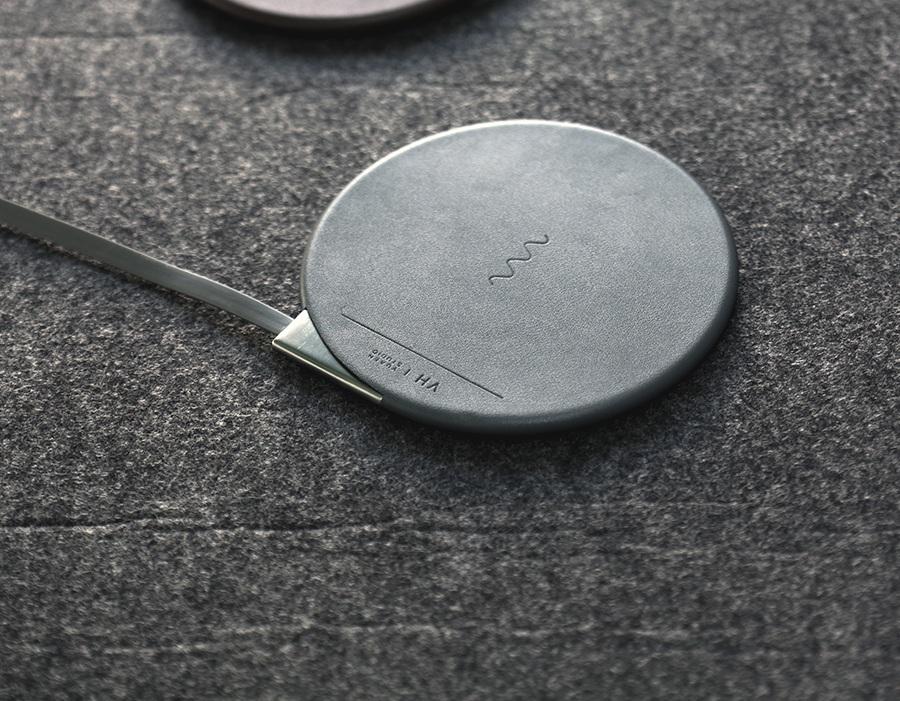 Зарядное устройство 5V VH wireless charging pad VH101 с кабелем подключения к сети