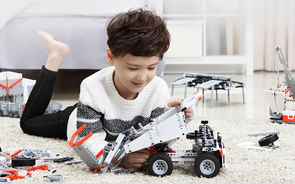 Игрушка трансформер MiTu Building blocks Mine Truck управление ковшом