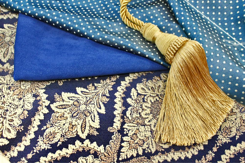 Княгиня синие ткани