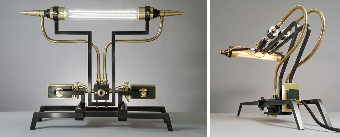 С 1993 года Франк Бухвальд в собственной мастерской вручную создает своеобразные арт-объекты, а с 2003 года занимается и освещением.