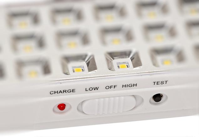 Управление аварийным аккумуляторным светильником