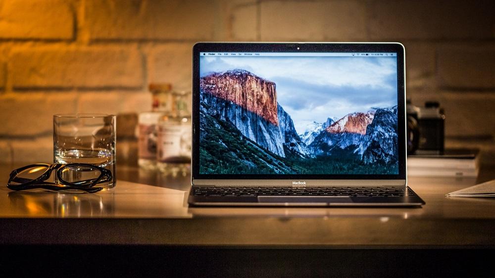 Купить Apple MacBook Pro Retina display and Touch Bar Late 2016 полный обзор в Москве