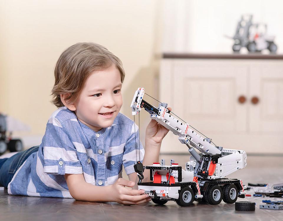 Конструктор MITU Building Block Engineering Crane MTJM03IQI ребенок играется