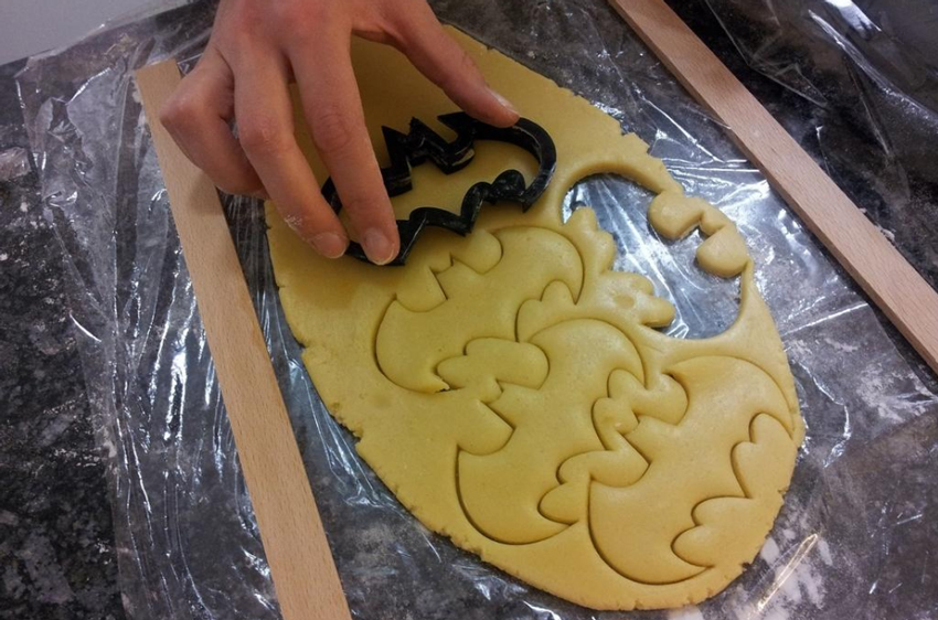 food-safe-batman-pastry.jpg