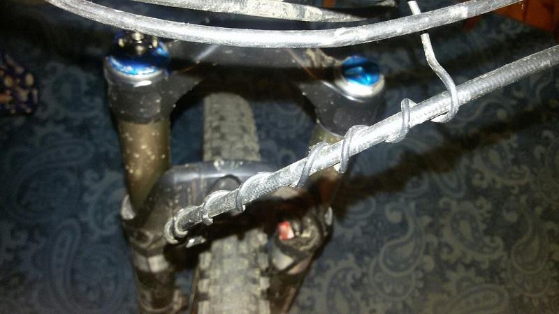 Проводка троса велокомпьютера
