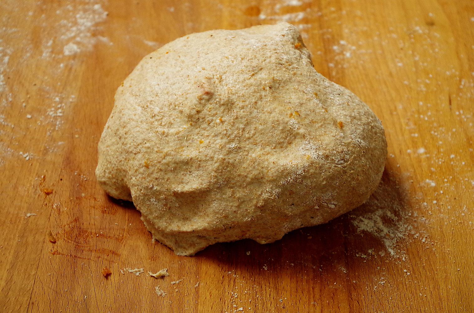 сверните тесто в шар