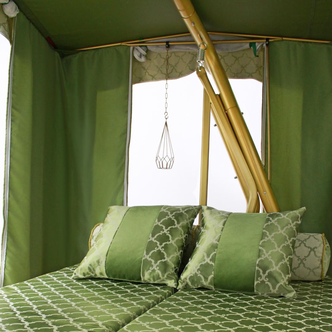 Княгиня зеленая подушки