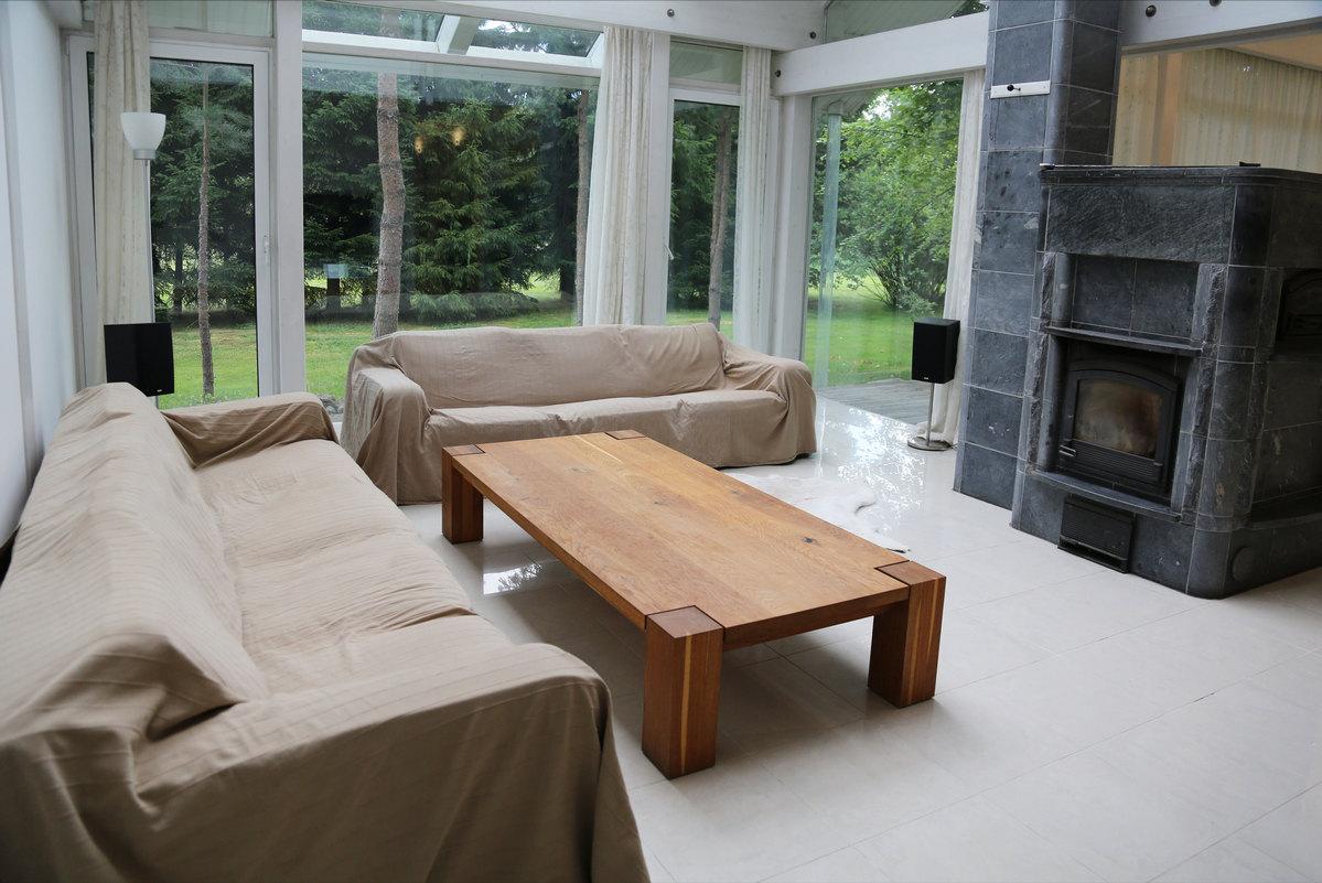 Мебель для дома из массива дерева