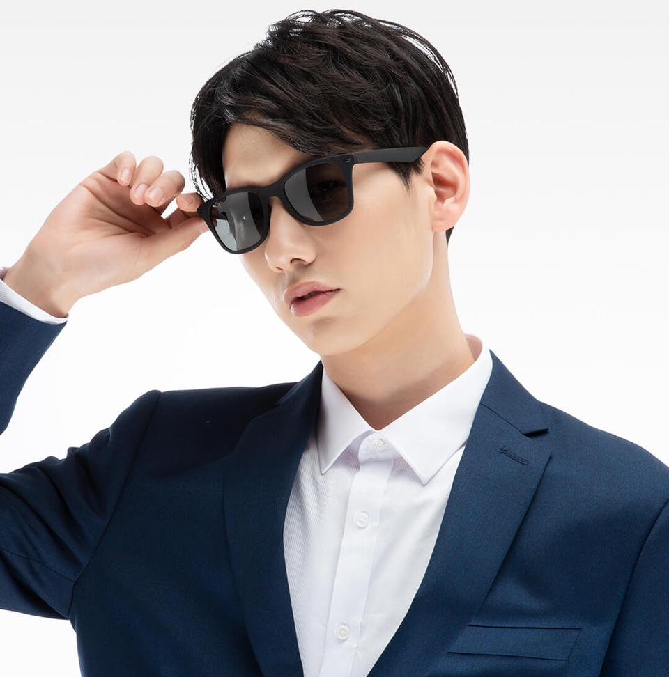 Очки Turok Steinhardt Sunglasses Influx Traveler Black STR004-0120 мужчина в очках