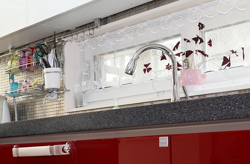 Кухонный смеситель с душевой лейкой