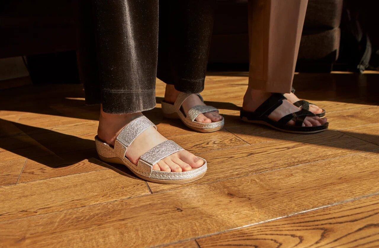 c70346196 Анатомическая обувь, изначально предназначенная для людей, испытывающих  дискомфорт при ходьбе или проводящих на ногах большую часть дня, обрела  мировую ...