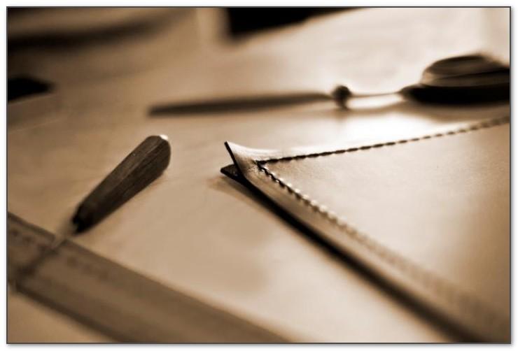Сам процесс изготовления бювара требует специальных инструментов.