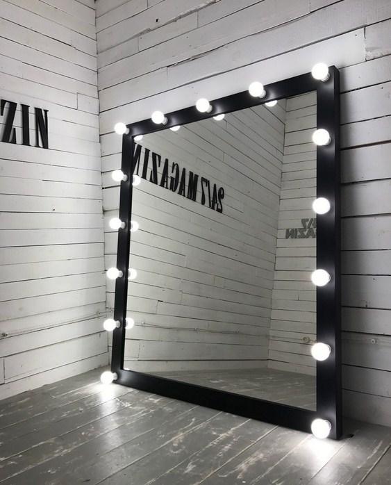 Большие настенные зеркала для магазинов одежды