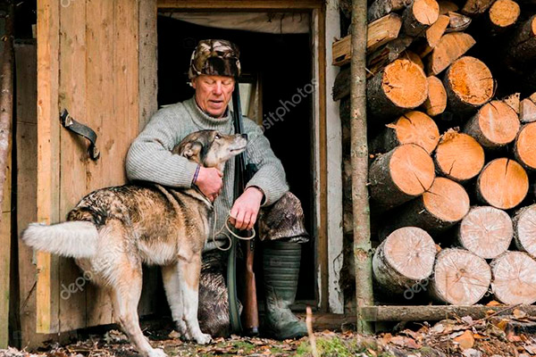 male-hunter-and-dog_1.jpg