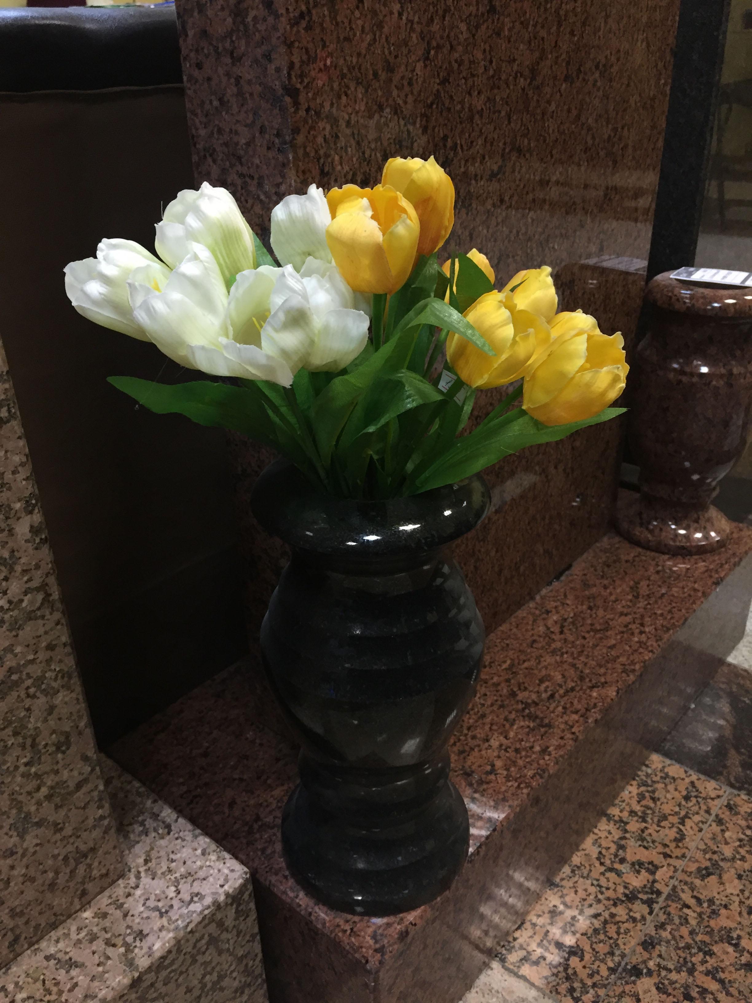 Фото вазы на могилу