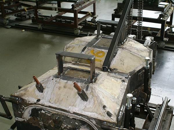 Литьевая форма для манекена. Фото 12. В закрытом виде, готова к установке на конвеер и заливки ППУ.