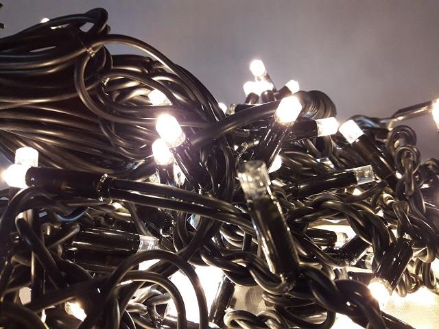 Уличная бахрома  5 м на 0,7 м на черном проводе LED