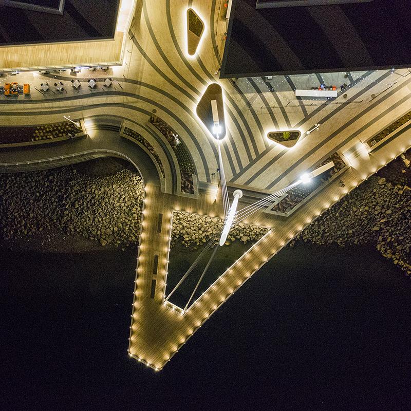 Световой проект Grant Pier Vancouver от Fisher Marantz Stone