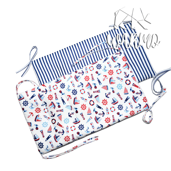 бортики в кроватку білі в синю полоску фото