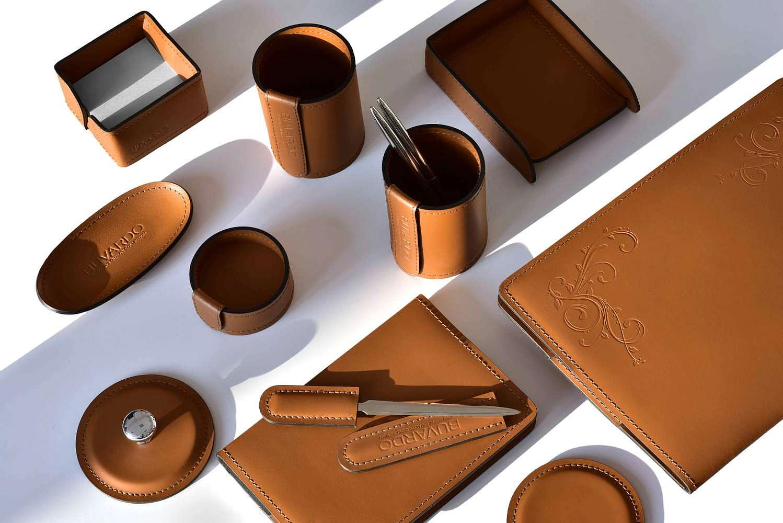 Набор канцелярских принадлежностей из натуральной кожи цвет табак