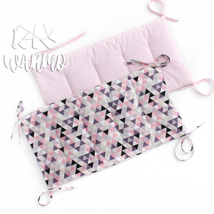 бортики в кроватку з рожевим геометричним малюнком фото