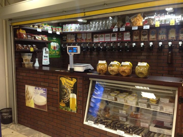 При автоматизации пивного магазина необходимо улучшить его интерьер