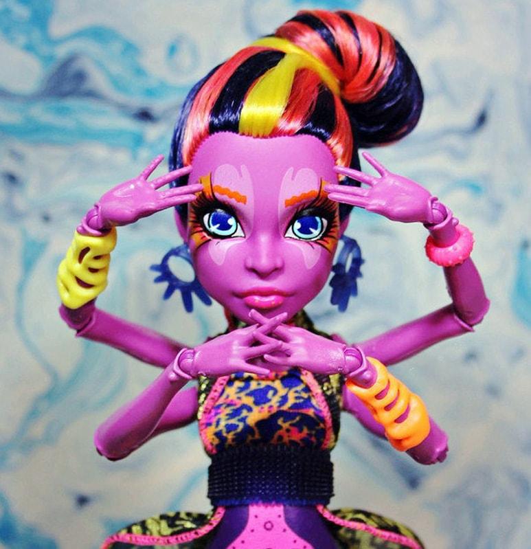 Кукла Кала Мерри, Monster High