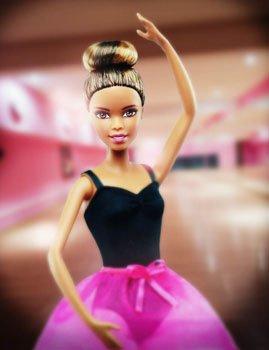 Кукла Барби (брюнетка) - карьера балет