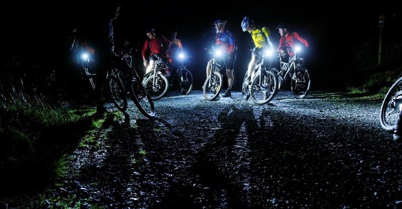 Велосипедисты ночью