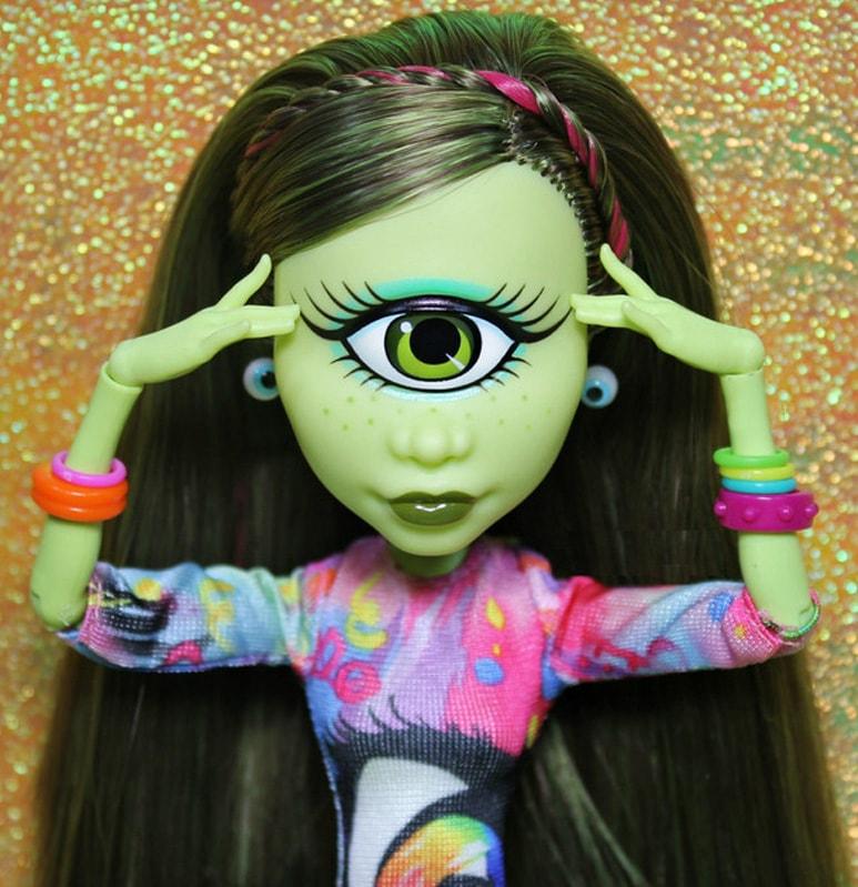 кукла Айрис Клопс, Monster High