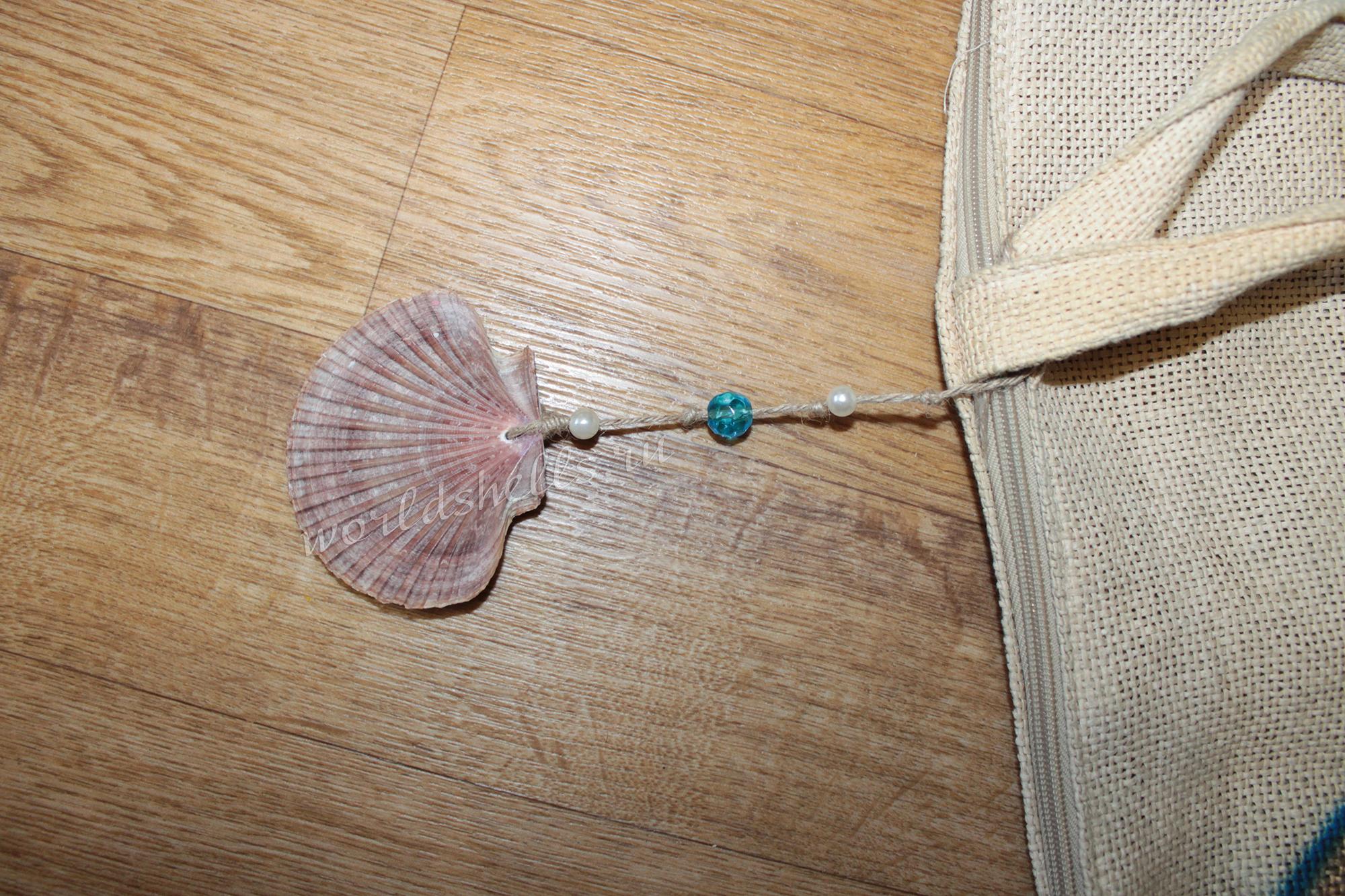Декоративная подвеска с морской ракушкой своими руками