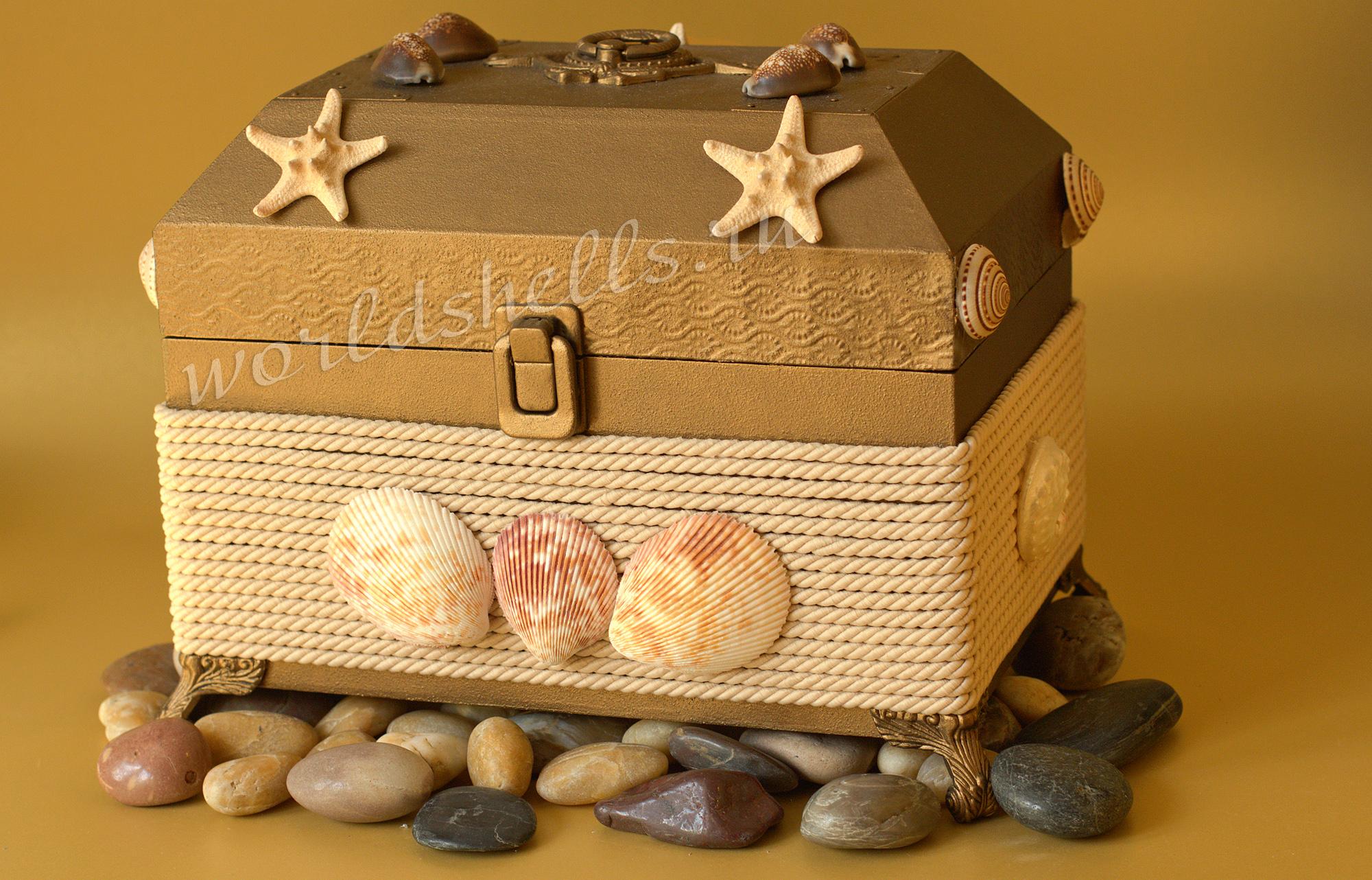 Сундук в морском стиле декоративный
