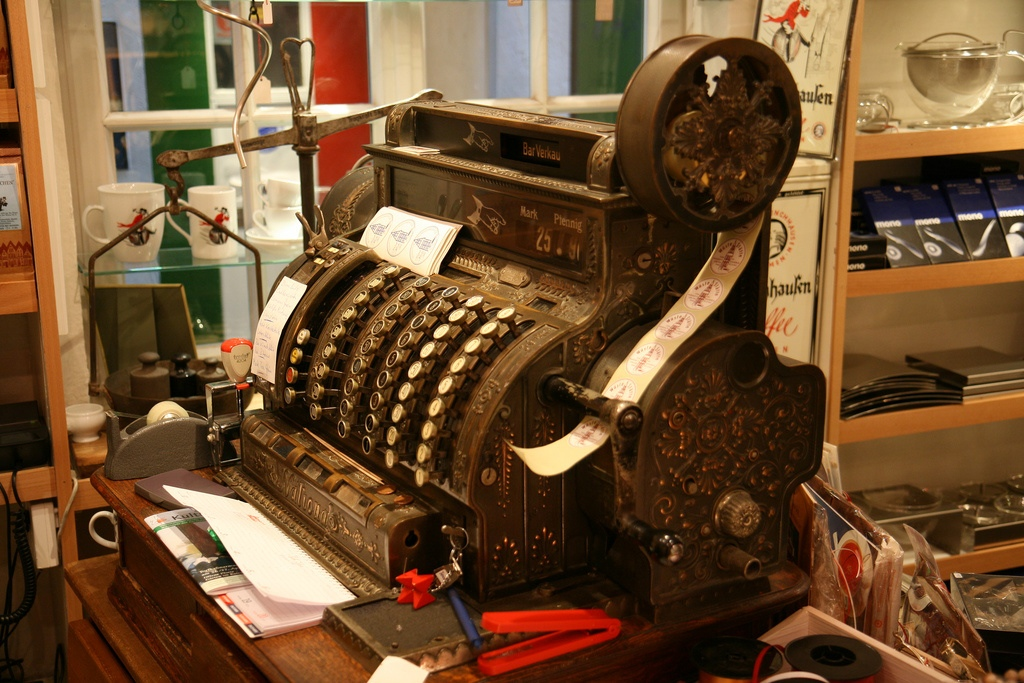 Самые первые кассовые аппараты
