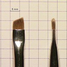 кисть для оформления бровей