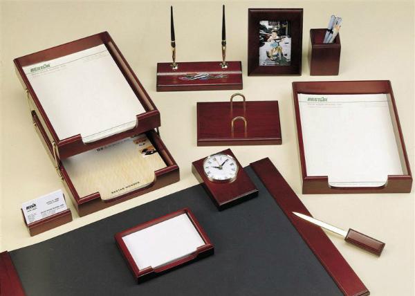 Стильный набор на стол руководителю