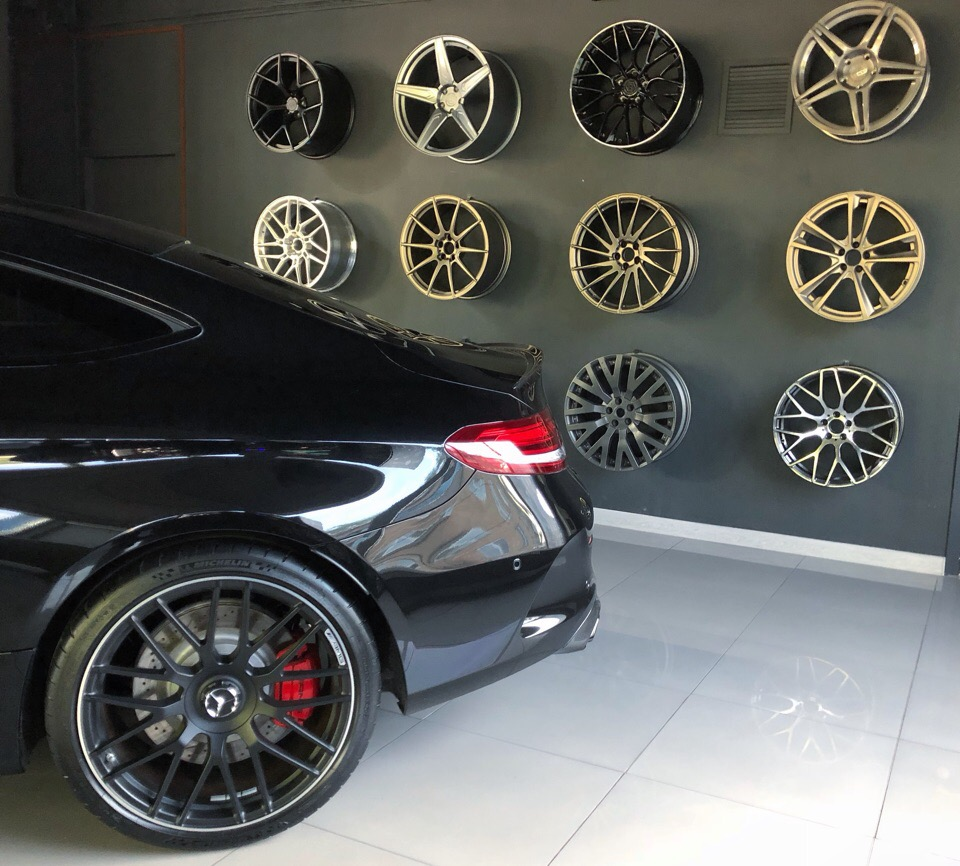 Hodoor Wheel Wall