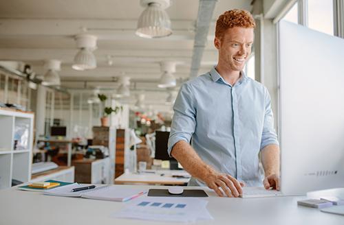 Smi_o__standing_desk_work2.jpg