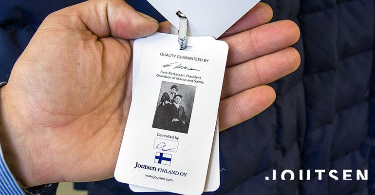 Портрет основателей Joutsen на этикетке финских пуховиков