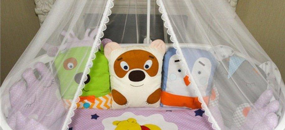 постільні комплекти в дитяче ліжечко