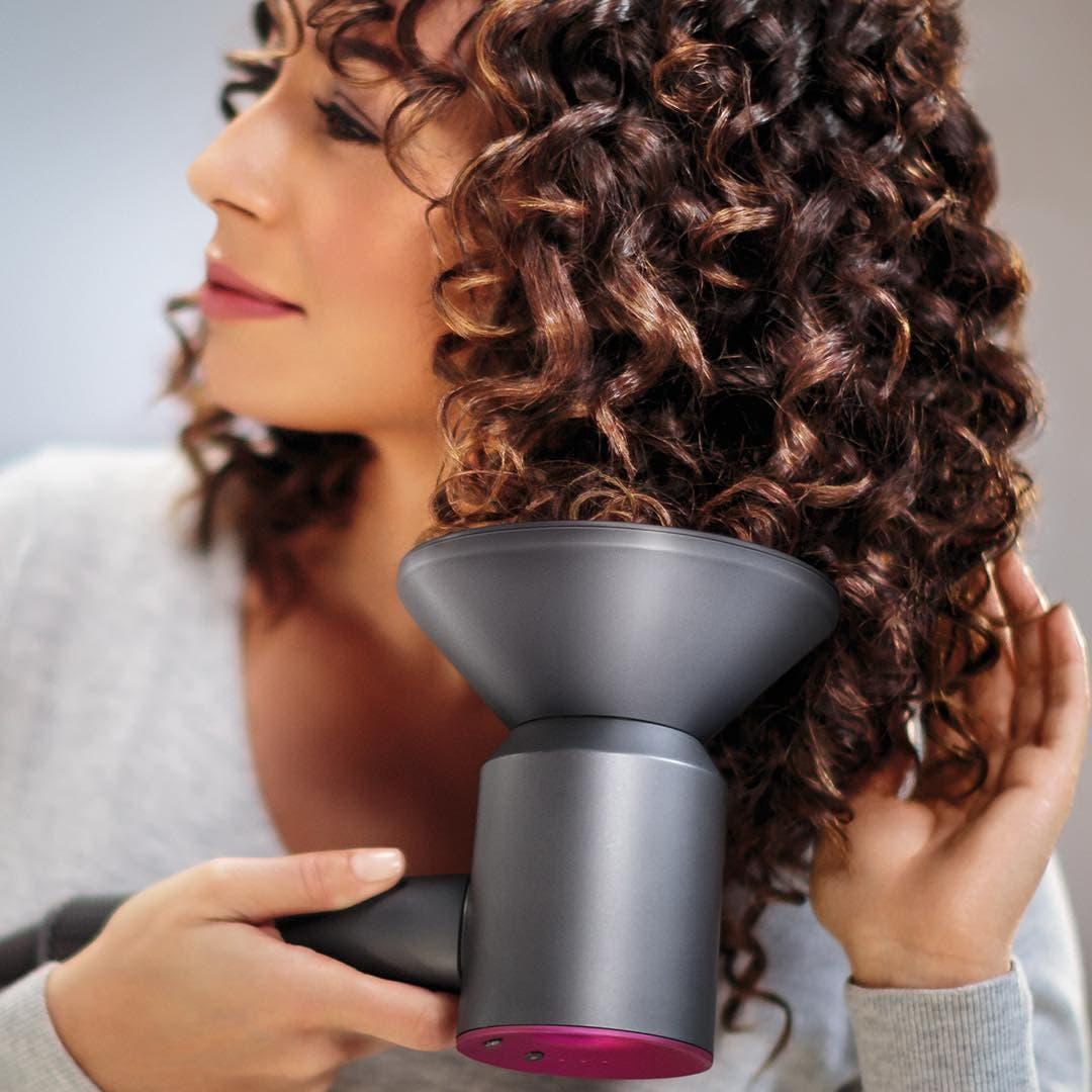 Укладка волос феном дайсон пылесосы дайсон бал