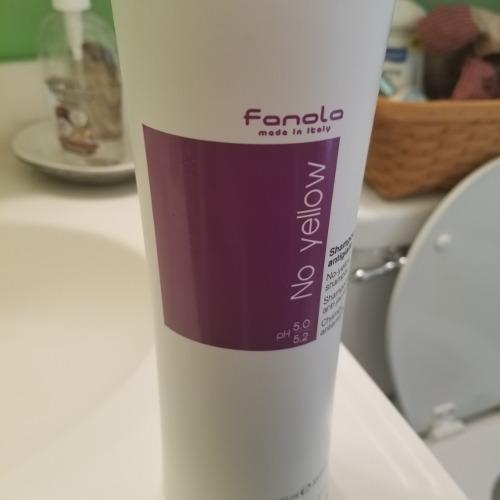 Фотообзор на Fanola No-yellow shampoo