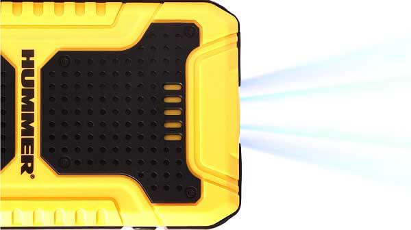 Пусковое устройство Hummer H8 оснащено фонарем с 3 режимами работы