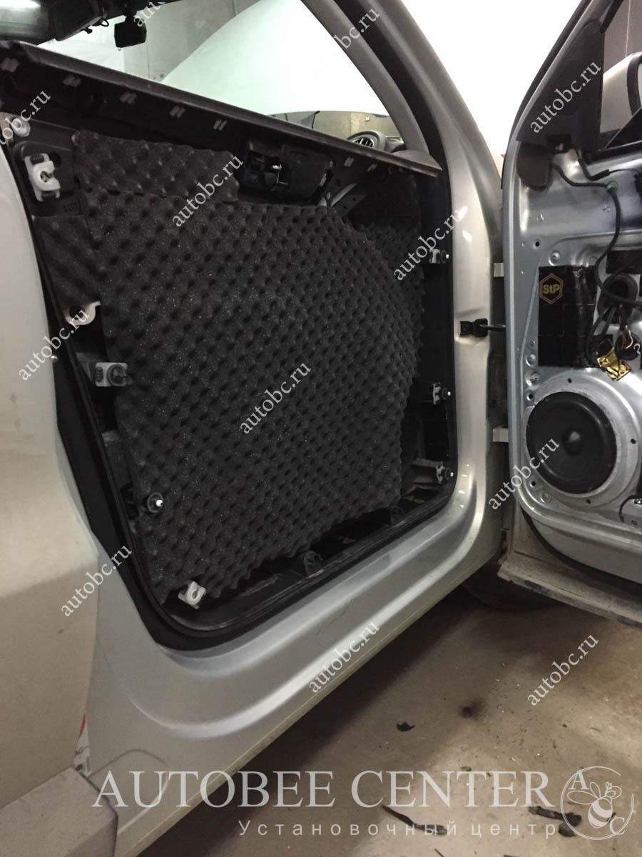 VW Tiguan (установка музыки)