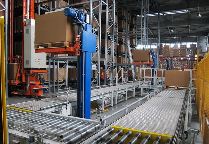 Конвейер для доставки паллет на механизированном складе